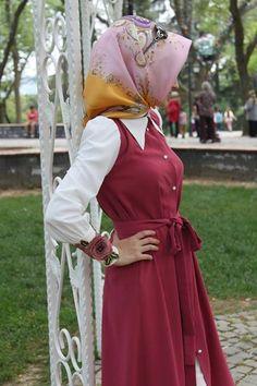 nisa moda - Zaman Tüneli Fotoğrafları | via Facebook #outfits,  modest,  streetstyle,  #pretty,  #clothes  #hijab,  classy