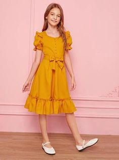Girls Dresses Sewing, Stylish Dresses For Girls, Frocks For Girls, Little Girl Dresses, Cute Dresses, Kids Summer Dresses, Girl Fashion Style, Girls Fashion Clothes, Fashion Outfits