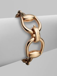 Gucci Pink Gold Horsebit Bracelet Gucci Bracelet Ideas of Gucci Bracelet – Popular Bracelets Gucci Bracelet, Gucci Jewelry, Silver Jewelry, Fashion Jewelry, Equestrian Jewelry, Horse Jewelry, Jewelry Box, Ringa Linga, Looks Country