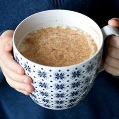 Replace dessert with- Dreamy Nighttime Drink: 1 cup (almond) milk, 1 tsp honey, 2 drops vanilla extract, 1 pinch ground cinnamon. Heat milk on high until the milk is very hot and begins to foam. Stir in honey and vanilla, then sprinkle with cinnamon. Smoothie Bowl Vegan, Smoothie Drinks, Smoothies, Yummy Drinks, Healthy Drinks, Yummy Food, Healthy Recipes, Tasty, Hot Tea Recipes