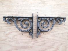 PAIR of antique Scroll swirl style cast iron shelf bracket wall mounted | Ironmongery World £13.99