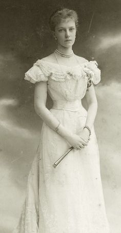 Archduchess Elisabeth of Austria aka Erzsi, only daughter of Crown Prince Rudolf of Austria. Early 1900s.