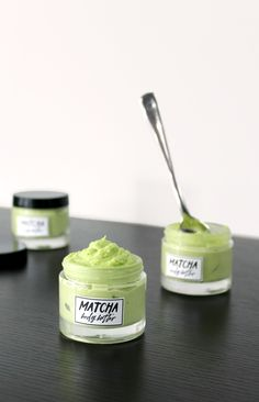 This smooth and ultra creamy DIY matcha body butter is a great way to moisturize dry skin this summer! Homemade Body Butter, Whipped Body Butter, Sugar Scrub Recipe, Butter Recipe, Easy Homemade Recipes, Soap Recipes, Matcha, Diy Body Scrub, Lavender Tea