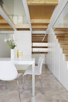Proyecto de vivienda en altura en tres niveles y de crujía 4.50 mts en centro histórico en Barcelona por Cotacero Taller Arquitectura