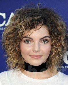 25 wonderful celebrity hairstyles for round face shape - Hairstyles Curly Shag Haircut, Haircuts For Curly Hair, Medium Bob Hairstyles, Cute Girls Hairstyles, Girl Haircuts, Haircuts For Round Face Shape, Hair For Round Face Shape, Face Shape Hairstyles, Hairstyles For Round Faces