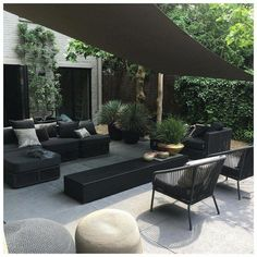 Eye-catching trend: black garden furniture - Own Home and Garden, You are always out of the sun under a shade cloth Under a damaged cloth you are always in the shadows # shade cloth # black The Patio Pergola, Backyard Patio, Pergola Kits, Pergola Ideas, Patio Ideas, Cheap Pergola, Modern Pergola, Diy Patio, Backyard Ideas
