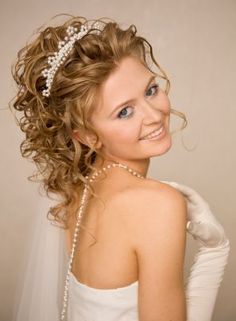 hairstyles for brides over 50 | Hairstyles For Brides With Long Curly Hair And Veil 1