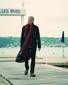 Arsene Wenger as you've never seen him before: Arsenal boss says he brings out the 'beauty in man' in French fashion shoot Arsenal Fc, Arsenal Football, Fashion Shoot, Sport Fashion, Mens Fashion, New Trainers, Arsene Wenger, French Fashion, Wraps