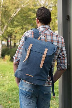 Carry your essentials for casual travel in this durable canvas backpack. This model features a padded section for your laptop up to The top flap closes with two imitation leather magnetic buckles. Canvas Backpack, Laptop Backpack, Free Black, Bradley Mountain, Travel Bags, Backpacks, Casual, Model, Leather