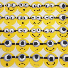 Minion cupcakes Minion Cupcakes, Fun Cupcakes, Minions, Cool Cupcakes, The Minions, Funny Cupcakes, Minions Love, Minion Stuff