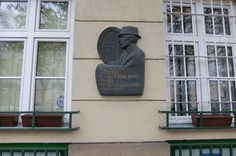 The best known resident was Wtold Gombrowicz,play writer and philosoph,who went to live in  Argentina in late 50-es