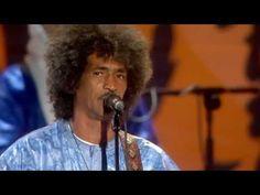 ▶ Tinariwen - Matadjem Yinmixan (2010 FIFA World Cup™ Kick-off Concert) - YouTube