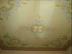 Soffitto dipinto, stile Liberty Ghirigori di Alessandra Borelli