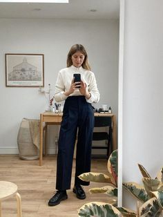 Some recent everyday outfits and varying degrees of bedroom mess. Business Casual Outfits, Office Outfits, Chic Outfits, Fashion Outfits, Fashion Tips, Fashion Trends, Minimal Fashion, Work Fashion, Daily Fashion