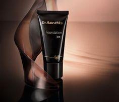 Foundation Dr.Hauschka, cinque tonalità per un make up a regola d'arte.