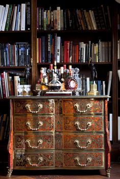 20 Stirring Ideas for Creating a Stunning Home Bar — The Entertaining House Bar Antique, Antique Chest, Library Bar, Future Library, Dream Library, Library Ideas, Ivy House, Home Libraries, Bar Areas
