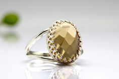 ❘❘❙❙❚❚ ON SALE OFF ❚❚❙❙❘❘ This ring features a beautiful Citrine gemstone set in a sterling silver double band ring. ☛ Ring size - all Citrine Ring, Citrine Gemstone, Quartz Ring, Gemstone Rings, Ring Ring, Natural Gemstones, Jewelry Sets, Jewelry Collection, Silver Rings
