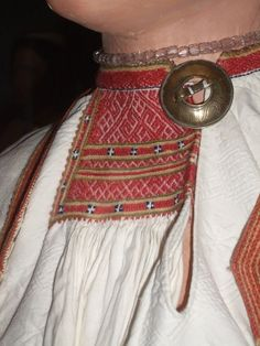 Finnish: Sakkola) is a settlement in Priozersky District of Leningrad Oblast Russia located 18 km northwest of Sosnovo and a station of the Saint Petersburg-Kuznechnoye railway. Wedding Costumes, Folk Fashion, Saint Petersburg, Folk Costume, Top Of The World, Folklore, Traditional Outfits, Kids Wear, Finland