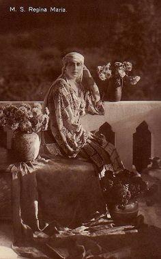 Königin Marie von Rumänien, Queen of Romania nee Princess of Edinburg 1875 – 1938 Romanian Royal Family, Greek Royal Family, Maud Of Wales, Romanian Women, Vintage Photos Women, Casa Real, Blue Bloods, Queen Mary, Royal Weddings