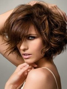 Summer Wavy Bob Hair Styles - Short or medium crops are feminine and radiate confidence therefore these are some of the leading hair styles among women who would like to make a chic statement with their haircut. The secret of the style tendency lies in the length as well as the texture of the hair. These wavy Bob hair styles bust the monotony of the sleek and uniform strands and add a breezy allure to the locks. Summer equals more experimenting and testing of the latest hair dressing ...