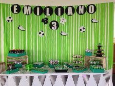 Fiesta fútbol Soccer Birthday Parties, Football Birthday, Soccer Party, Sports Party, Ball Theme Birthday, Baby Showers, Creative Party Ideas, Football Themes, First Birthday Photos