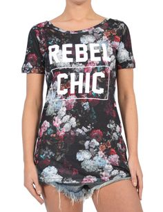 CHIC FLORAL T-SHIRT Winter Collection, Catwalk, Fall Winter, Rompers, Glamour, Chic, Floral, T Shirt, Shopping