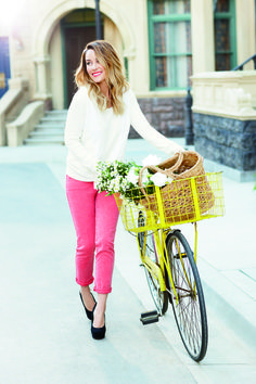 lc lauren conrad: white top, pink pants #bike