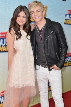 Maia Mitchell (Mack) Ross Lynch (Brady)