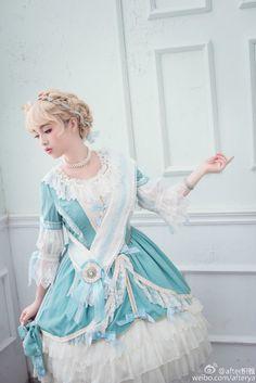 Lolita Girl / Cute White Blue Dress / Kawaii Japanese Fashion Photography / Harajuku / Kiyohari / Cosplay  // ♥ More at: https://www.pinterest.com/lDarkWonderland/