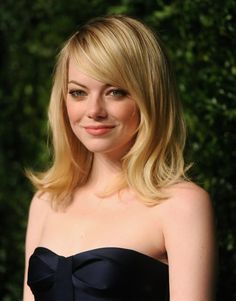 Pin for Later: The Clavicut — the Best Celebrity Midlength Hairstyles Emma Stone Long layers and a sideswept fringe soften Emma Stone's midlength cut.