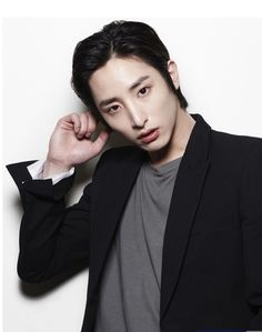 Lee Soo Hyuk's Sexy Transformation http://www.kpopstarz.com/articles/149614/20141210/lee-soo-hyuks-sexy-transformation.htm
