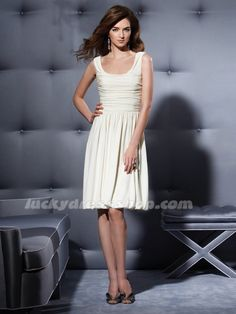 Ivory Knee-length Chiffon Bridesmaid Dress With Sleeveless (MW3D6H)