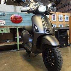 Vespa Sprint custom Frozen Dark Grey