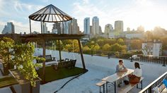 Where to eat and drink on a Roof in New York