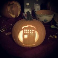 Tardis pumpkin Holidays Halloween, Tardis, Pumpkin Carving, Cool Stuff, Cool Things