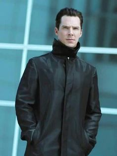 Benedict Cumberbatch. Star Trek into Darkness. Is this a new picture? He looks FANTASTIC.