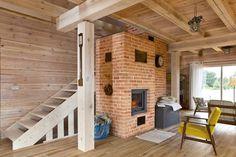 Dom Julii i Adama - cały z sosnowych bali. Jest naturalny, ciepły i przytulny