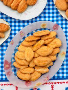 Pepi's kitchen Almond, Cookies, Desserts, Food, Crack Crackers, Tailgate Desserts, Biscuits, Dessert, Almonds