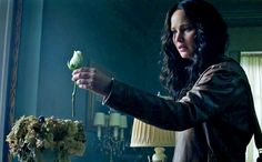 Katniss Everdeen - Jennifer Lawrence - White Rose