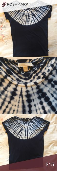 Michael Kors T Shirt Navy blue with white tie die pattern. Dolman sleeve style ✨ Like new ✨ Smoke-free, pet-free home ✨ Bundle to save! I am happy to answer any questions MICHAEL Michael Kors Tops Tees - Short Sleeve