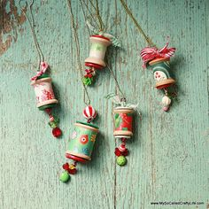 DIY Holiday Spool Necklaces- use empty cotton reels, and make them christmas tree decorations? Handmade Christmas Tree, Christmas Ornaments To Make, Christmas Jewelry, Christmas Projects, Christmas Tree Decorations, Holiday Crafts, Christmas Crafts, Christmas Holidays, Ornaments Ideas