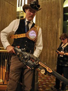Steampunk - Adam Smith, head of the Canadian Steampunk Society Steampunk Weapons, Steampunk Cosplay, Steampunk Clothing, Steampunk Fashion, Victorian Fashion, Neo Victorian, Dystopia Rising, Steampunk Design, Steampunk Images