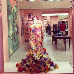 Paul Smith Window Fitting, Milano Fashion Week, Paul Smith, Flower Power, Spring Summer, Flowers, Instagram, Royal Icing Flowers, Flower
