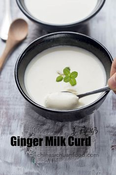 Ginger milk pudding or ginger milk curd is a very popular Chinese dessert made by ginger juice, milk and sugar. It is a magic dessert you will love after the first trying. Hot Desserts, Asian Desserts, Asian Recipes, Chinese Desserts, Chinese Recipes, Dessert Dishes, Dessert Recipes, Tea Recipes, Drink Recipes