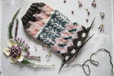 Knit Crochet, Crochet Hats, Winter Hats, Knitting, How To Make, Crocheting, Fashion, Knitting Hats, Crochet Hooks