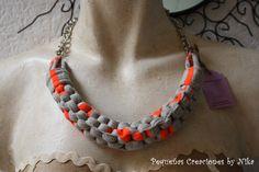 Collar Trapillo Gris y Naranja Fluo por PCbyNika en Etsy, €8.95