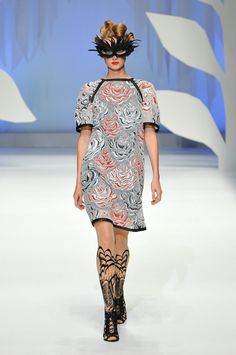 HIROKO KOSHINO | Mercedes-Benz Fashion Week TOKYO