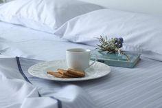 @floureta88 recibe los buenos días desayunando en sus recién estrenadas sábanas Don Algodón. #donalgodon #donalgodontextil #deco #home #summer #breakfast #bed #morning #relax