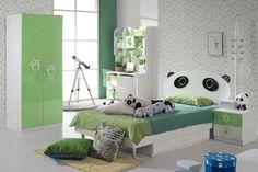 Ideen zur Kinderzimmergestaltung - Weißes Interieur mit grünen Akzenten und Pandamotiven