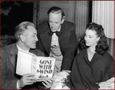 Leslie Howard and Vivien Leigh discussing Gone With the Wind